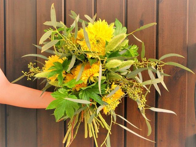ヒマワリの花束 スパイラル 生花