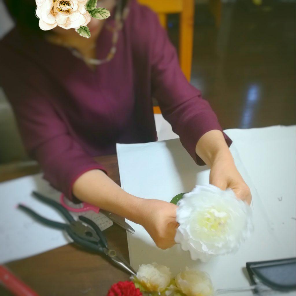 お母様がお嬢様のウェディングブーケを手作り♡ボールブーケ作り